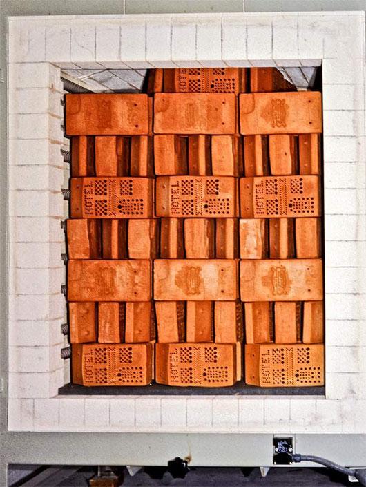 Insektenhotel Nisthilfe Insektennisthilfe gebrannter Ton Volker Fockenberg  insect nesting aid insect hotel mason bee terra cotta wildbee