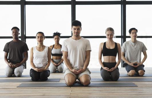 Meditation in Motion. Einfache geführte Meditation für Anfänger, Meditationstipps, Entspannung, Achtsamkeit, Meditation Online-Kurs, Meditationskurs in Zürich Oerlikon. Meditationsausbildung und Meditationslehrer Ausbildung in Zürich Oerlikon