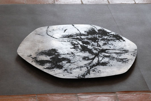 F. Barbéris, Plaque de métal, carborundum et encre de gravure, diam 80 cm.