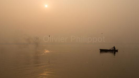 Aube sur le Gange - Varanasi - Inde © Olivier Philippot