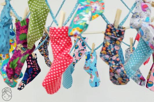 Katjuschka - Easy Socks freeboot Socken genäht Adventskalender last-minute Nähidee