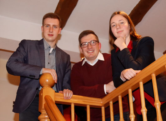 Robert Drews (mitte) mit Nadine Hofmann (rechts) und Nils Schulze (links)
