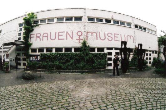 Frauenmuseum Außen Foto Horst Pitzen