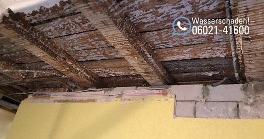 SAGA Wasserschaden Aschaffenburg / Rohrbruch, Reparatur und Remontage: Wasserschadensanierung in Aschaffenburg