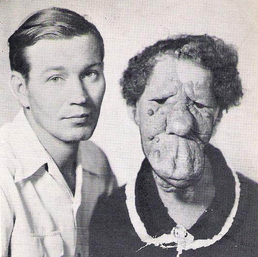 グレース・マクダニエルズと息子のエルマー。