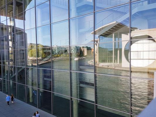 Excursie in Berlijn - politiek - Bundestag - Spree