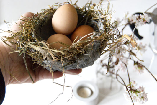 Easter nest bowl DIY with concrete and hay by PASiNGA tutorials