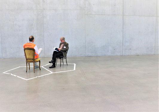 Foto: Astrid Künzler, Beat Rink liest Aphorismen, Kunstaktion ARTS+ an der Explo17