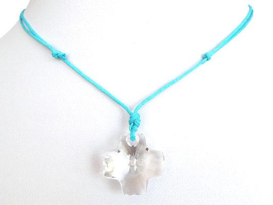 Halskette mit Kreuz aus Kristallglas und Baumwollband