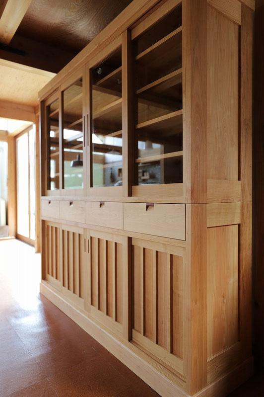 山桜の食器棚  古民家 日本建築 和モダン