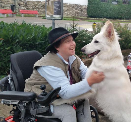 Elisabeth Linger, Hundetherapeutin, Therapiebegleithund, zertifizierter Assistenzhund