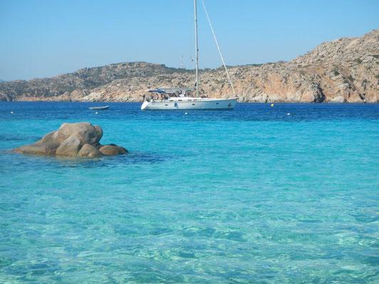 Segeltörn Sardinien und Korsika mitsegeln.  Urlaub auf einer Segelyacht mit Skipper.