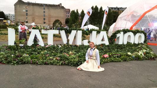 Josephine Metasch beim Sängerfest in Riga