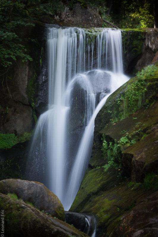 Le plaisir photographique. Eric Léonard. Photos/Paysage/Chute d'eau en forêt