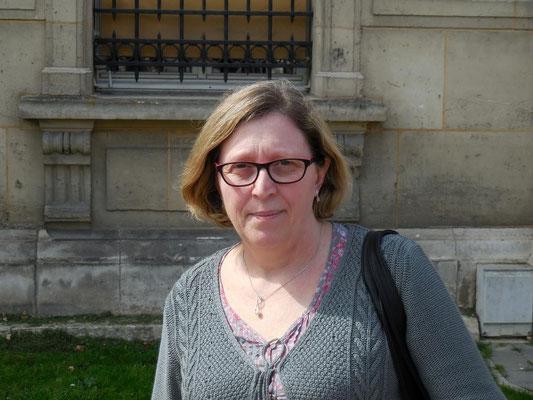Multi-tâches, Christine De Pestel œuvre pour le développement de la boxe française - savate à tous les échelons. Autant sur les rings qu'auprès des administrations