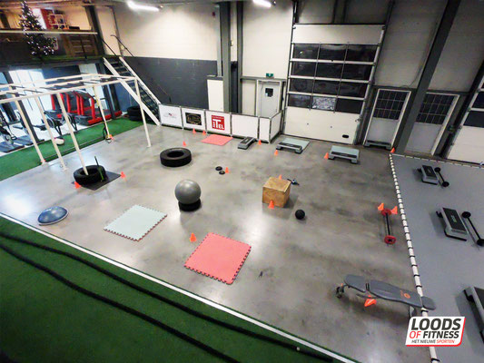 Indoor bootcamp circuit in Bunschoten bij Loods of Fitness Bunschoten Spakenburg