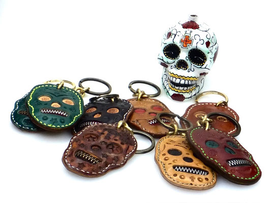Lederanhänger Taschenanhänger mexikanischer Totenkopf