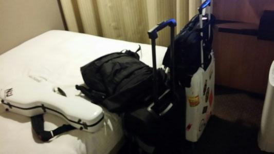 3月18日はバスでニセコから札幌に移動して、札幌でお世話になっているお仕事関係者の方々にご挨拶まわりと、夜は19日のライブのリハーサルでした♪この部屋は、札幌で滞在していたホテル♪こちらもすごい綺麗な部屋☆