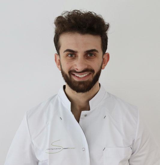 Mondhygiënist Mohanad tandartspraktijk Saentower