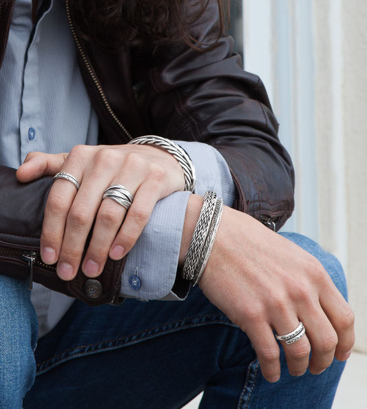 bagues et bracelets en argent massif patiné