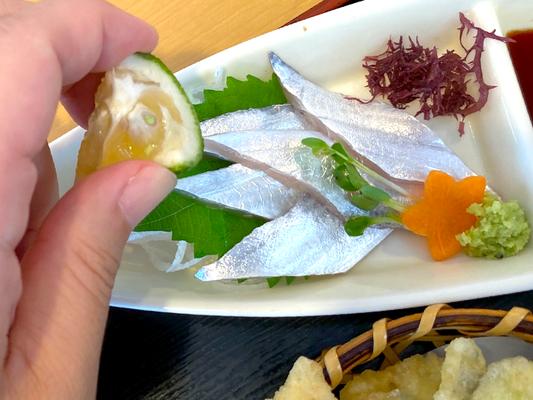 【秋の味覚】大分ローカルタレントが太刀魚にカボスをしぼる!