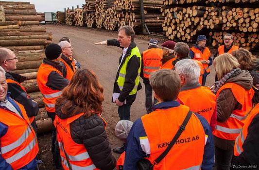 Christian Grau erklärt die Holzanlieferung