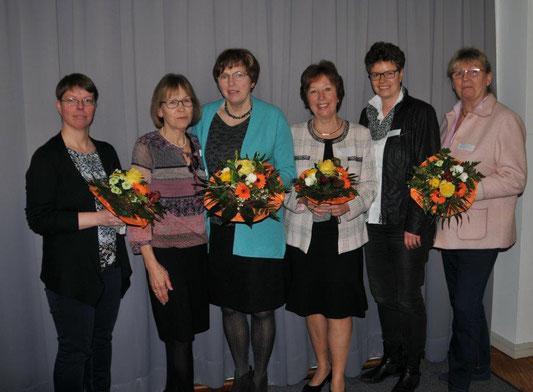 Zu sehen sind von links: Nicole Stammer, Inge Käding, Sigrun Stolle, Sabine Lemm, Susanne Pöhls, Ute Gerstand-Wegener (es fehlt Inke Koch). Foto: Waltraud Broschinky