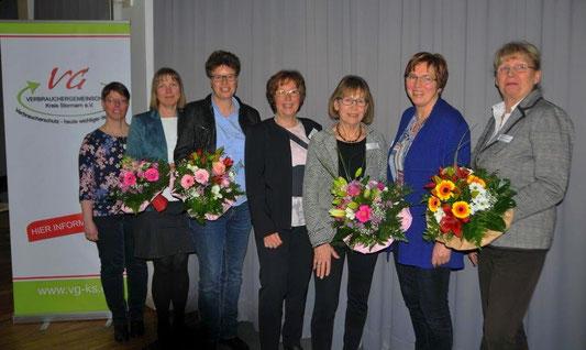 Zu sehen sind von links: Nicole Stammer, Inke Koch, Susanne Pöhls, Sabine Lemm, Inge Käding, Sigrun Stolle, Ute Gerstand-Wegener