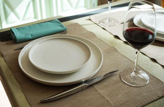 vacances-à-2-gite-d'-exception-avec-piscine-privee-en-aveyron-le-colombier-saint-veran-cuisine-style-bistrot-tourisme-occitanie
