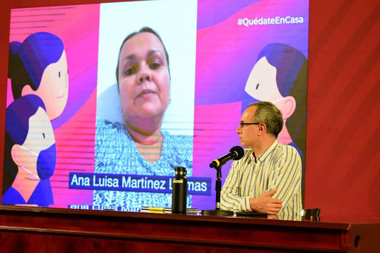 Vice-minister for Health Hugo López-Gatell responding to worried mothers at his press conference on 10 May, Mother's Day in Mexico (Photo from the Facebook page of the Secretaria de Salud, Federal Ministry of Health).
