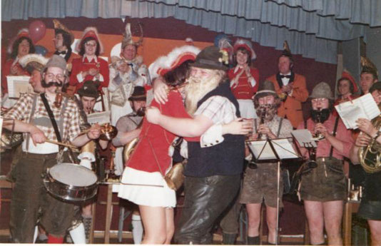 """Auftritt als """"Trachtenkapelle"""" Karneval 1973"""