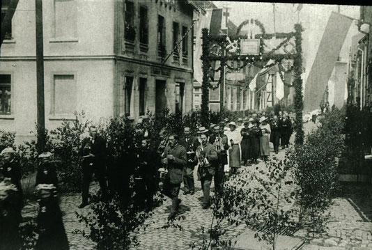 Umzug an Fronleichnam, um 1919