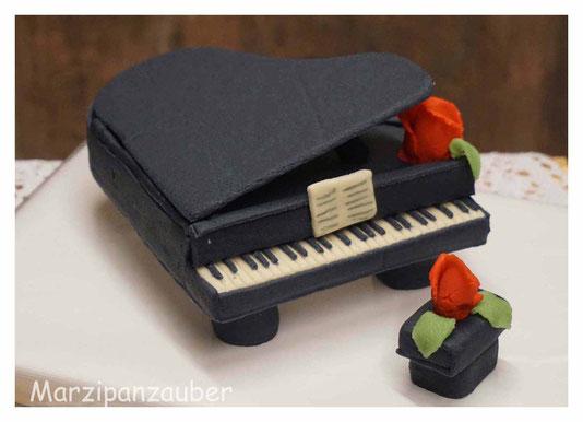 Klavier aus Marzipan