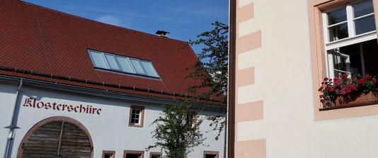 Klosterscheune, Klosterschiire Oberried, Kleinkunst in der Klosterschiire, Kleinkunstbühne, Gemeinde Oberried, Dreisamtal