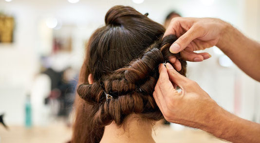 Hairstyling Frisuren Workshop Styling für Teenager Erlebnisse zum Geburtstag