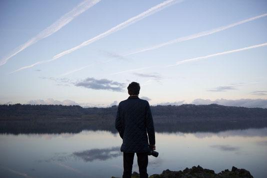 homme devant paysage