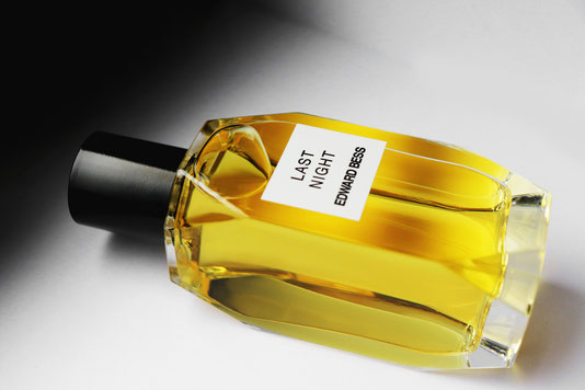 Düfte beeinflussen unsere Sinne. Ob Duftkerzen von URBAN APOTHECARY oder Parfums von EDWARD BESS.