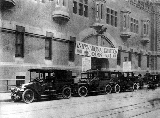 """Die """"Armory Show"""" von 1913 für """"Modern Art"""" in einem Gebäude der Nationalgarde in New York"""