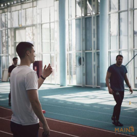 In der Trainingsgruppe von David Corell trainieren die Deutschen Meister über 100m aus den Jahren 2018 und 2019, Kevin Kranz und Michael Pohl.