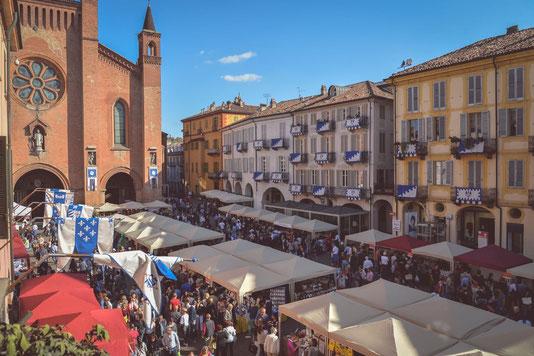 Der weltgrösste Trüffelmarkt Fiera del Tartufo Bianco d'Alba - Das italienische Trüffelfestival des Jahres