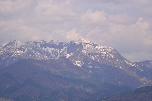 先行者の男性二人と越前甲を眺めながらしばし山の話でした