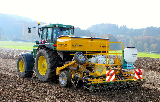 CLAYDON - Strip till (Streifensaat) mit Unterfussdüngung