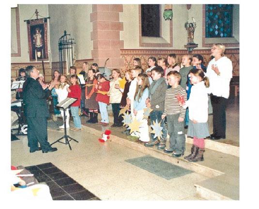 Der Kinderchor bei einem Adventskonzert in Wernborn