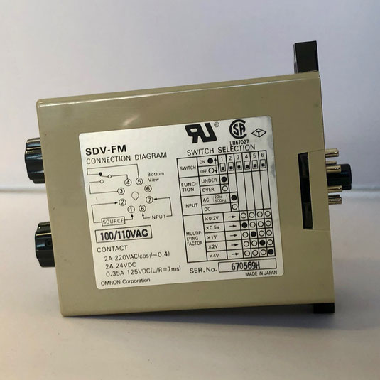 The OMRON voltage sensor unit, Type: SDV-FM6.