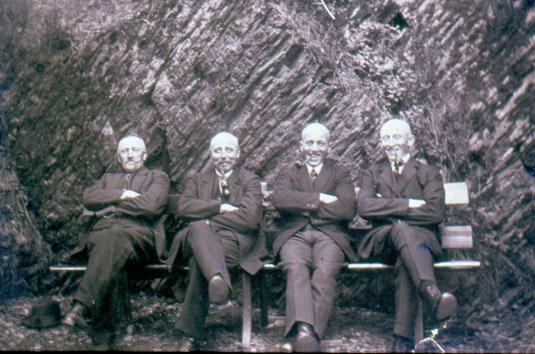 1936 - Vor dem Felsen am Luisenpfad