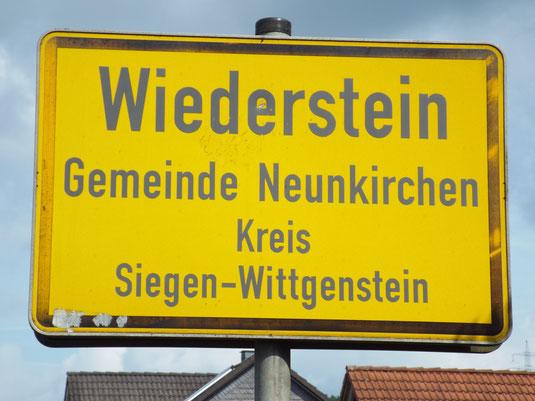 Ortsschild von Wiederstein