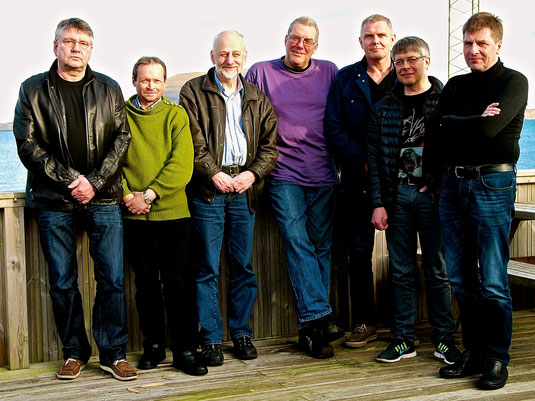 Frá vinstru: Eirikur Ólason Simonsen, Petur Julian Johannessen,Hans Jákup Michelsen, Finn Jespersen, Martin Heinesen, Herluf A. Johansen, Búgvi Apol.