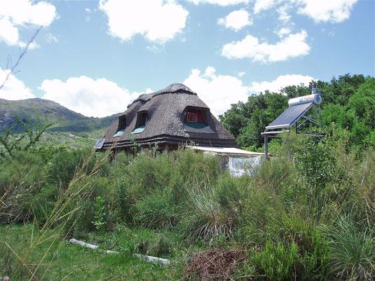 Haus in einem Ökodorf in Uruguay