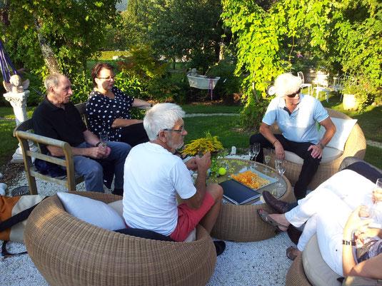 Apéro nach Tennisturnier in Riggenbachs Garten