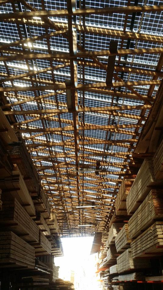 Lichtdurchlässige Fotovoltaik-Panels